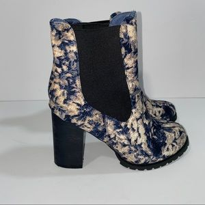 Kling Tapestry Print Heeled Booties Size 37
